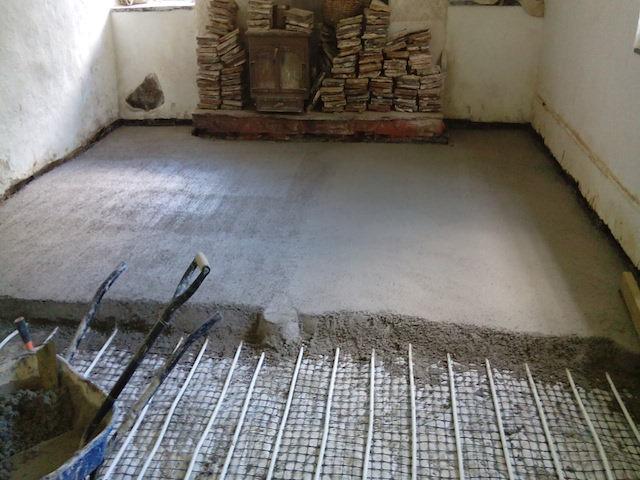 Laying A Limecrete Floor St Buryan Cornwall